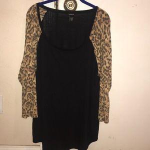 Torrid size 3 black with cheetah sleeve tee